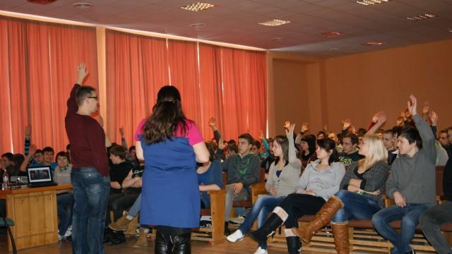 Evankeliumi Latvian kouluihin