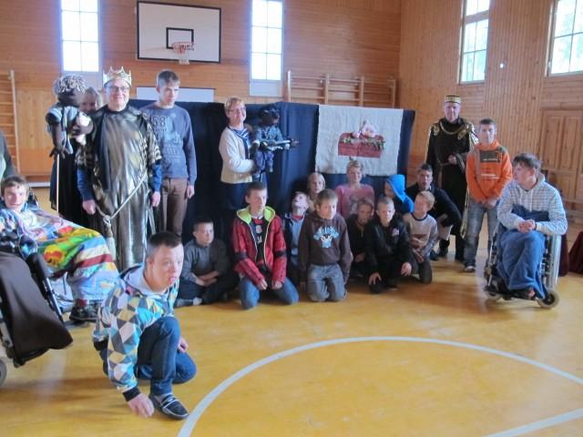 Sanoma Latvian nuorille