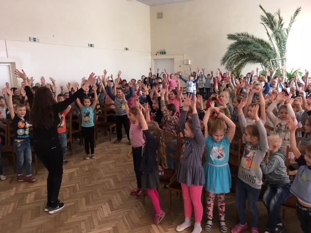 Kiitollisia rehtoreita Latvian kouluissa
