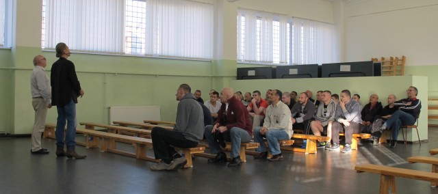 Riikan ja Jelgavan vankiloissa
