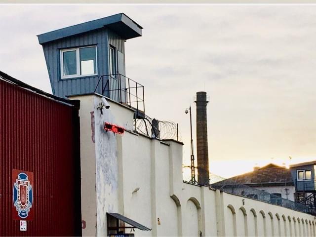 Uskoontuloja  Latvian vankiloissa